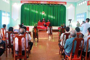 Xúc phạm cờ Tổ quốc, Huỳnh Thục Vy bị phạt 2 năm 9 tháng tù giam