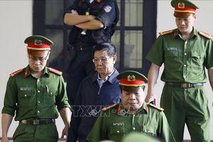 Hai cựu tướng công an lĩnh án cao hơn mức đề nghị của Viện kiểm sát