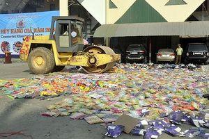 Tiêu hủy hàng giả trị giá hơn 5 tỷ đồng, trong đó có nhiều thực phẩm và mỹ phẩm