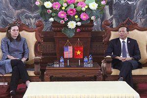 Phó Chánh án TANDTC Nguyễn Trí Tuệ tiếp xã giao Phó Đại sứ Hoa Kỳ tại Việt Nam