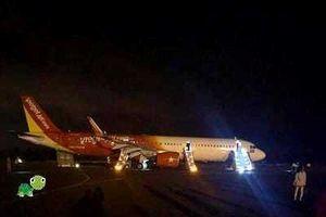 Đắk Lắk: Máy bay trục trặc khi hạ cánh, 6 hành khách đến bệnh viện kiểm tra