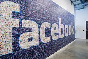 Công nghệ 24h: Facebook từng định bán dữ liệu người dùng