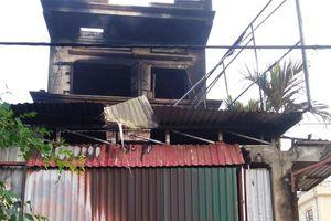Cháy cửa hàng thiết bị điện, cháu bé 8 tuổi tử vong