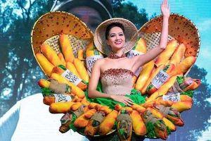 Dư luận nói gì về trang phục 'bánh mì' Hoa hậu H'Hen Niê mặc tại Miss Univers 2018?