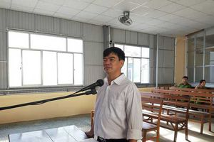 Nguyên giảng viên trường cao đẳng bị phạt tù vì 'đòi xử' hiệu trưởng