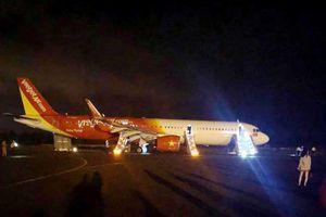 2 bánh trước của tàu bay hãng Vietjet bị mất trong quá trình hạ cánh