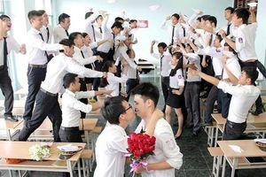 Chuyện bi hài mùa chụp ảnh kỷ yếu: Lớp thì toàn con gái, lớp lại bói không ra một 'bóng hồng'