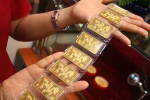 Giá vàng tăng giảm loạn xạ