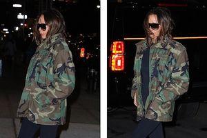 Victoria Beckham xuống phố với áo jacket họa tiết quân đội khỏe khoắn