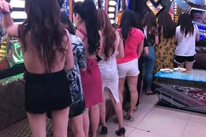 Quán karaoke ở trung tâm Sài Gòn có hàng chục chân dài chỉ tiếp khách Hàn Quốc