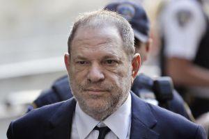 Phim tài liệu về bê bối tình dục của Harvey Weinstein chuẩn bị ra mắt