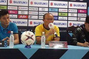 HLV Park Hang-seo 'tuyên chiến' HLV Sven-Goran Erikson