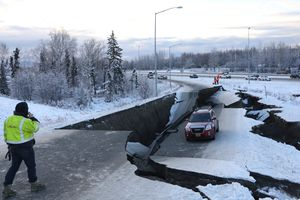 Động đất mạnh 7 độ Richter gây thiệt hại lớn tại Alaska