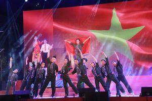 ĐH Kinh tế TPHCM giành ngôi quán quân tuyên truyền ca khúc Cách mạng