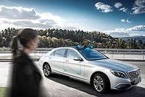 Mercedes-Benz phát triển đèn thông minh dành riêng cho xe tự lái