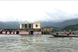 Tàu chở dầu đâm vào cầu cảng tại Đà Nẵng