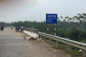 Nghệ An: Phát hiện thi thể người đàn ông chết trong tư thế treo cổ ở gầm cầu
