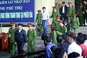 Vụ đánh bạc nghìn tỷ qua mạng: Phan Văn Vĩnh 9 năm tù, Nguyễn Thành Hóa 10 năm tù