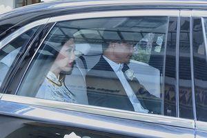 Á hậu Thanh Tú lên xe hoa bằng Rolls Royce cùng dàn xe 60 tỉ