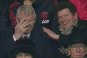 Sir Alex Ferguson bật cười khi MU thủng lưới 2 lần trong 7 phút