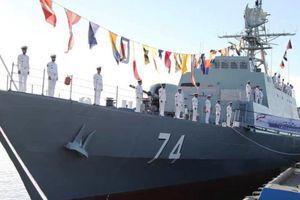 Iran ra mắt chiến hạm tàng hình đối phó Mỹ