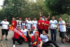 CĐV Việt Nam và Philippines sát cánh trước bán kết AFF Cup 2018