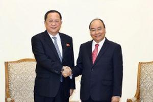 Thủ tướng Nguyễn Xuân Phúc tiếp Bộ trưởng Ngoại giao Triều Tiên Ri Y-ông Hô