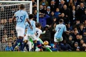 Vòng 14 Premier League: Thắng Bournemouth 3-1, Man City bứt phá