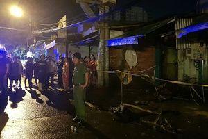Cháy lớn khu nhà trọ công nhân, 20 người kẹt trong đám cháy
