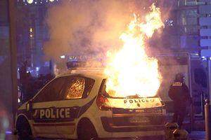 Thủ đô Paris tan hoang sau biểu tình, Tổng thống Macron họp khẩn