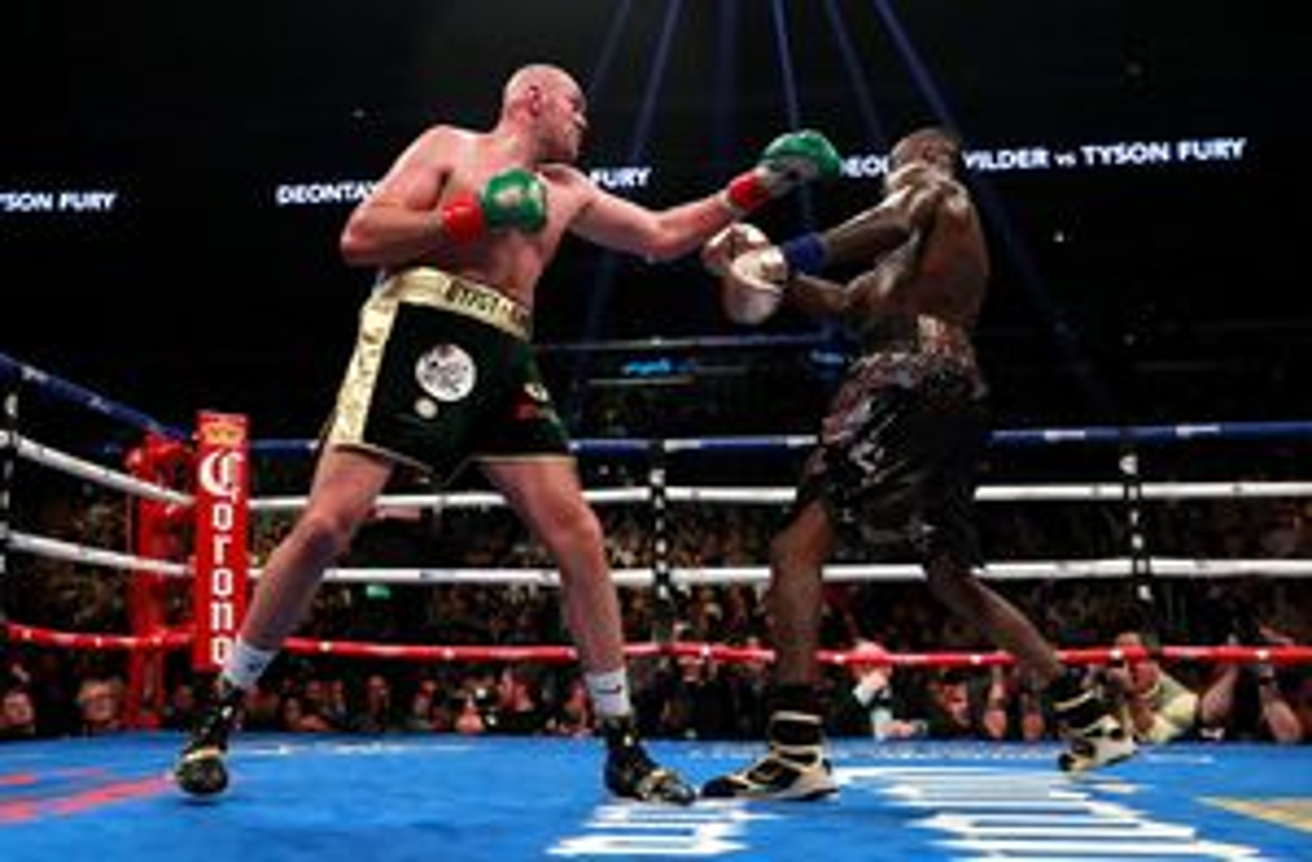 'Đại chiến' quyền anh hạng nặng giữa Wilder và Fury bất phân thắng bại