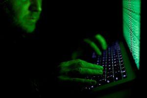 Khám phá cách tự vệ trước tin tặc của các sếp công nghệ