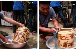 Vợ chồng xứ Nghệ mừng rỡ đào được chiếc bình cổ bán giá 400 triệu đồng