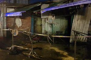 1 người tử vong trong khu nhà trọ công nhân tại TP. Hồ Chí Minh bốc cháy dữ dội giữa đêm