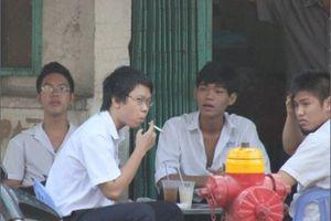 Vì sao cấm hút thuốc lá nơi công cộng?