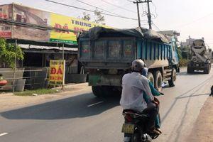 Cấm ô tô trên đường Nguyễn Duy Trinh, Q.2 để xây cống thoát nước