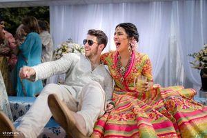 Hoa hậu Thế giới Priyanka Chopra hạnh phúc trong lễ cưới truyền thống
