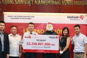 Hơn 60 tỷ cho 3 khách hàng liên tiếp trúng giải jackpot khi chơi Bao 7 của Vietlott