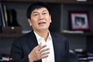 Ông Phạm Nhật Vượng thăng hạng, ông Trần Đình Long ra khỏi trong danh sách tỷ phú Forbes