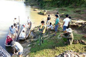 Tìm thấy thi thể em nhỏ còn lại mất tích ở bờ sông