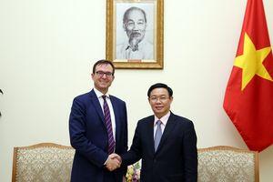 Phó Thủ tướng tiếp đại diện Trung tâm phát triển OECD