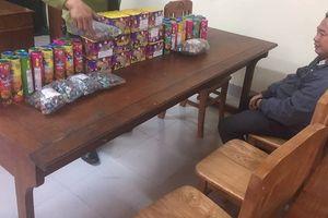 Bắt vụ vận chuyển hơn 32kg pháo từ Lào về Việt Nam để chơi tết