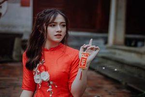 Nữ sinh ĐH Kiểm soát Hà Nội xinh ngây ngất trong tà áo dài