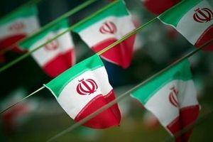 Iran tuyên bố tiếp tục thử tên lửa