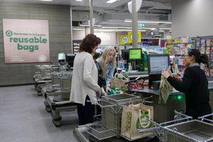 Úc ngăn được 1,5 tỉ túi nhựa nhờ lệnh cấm của siêu thị