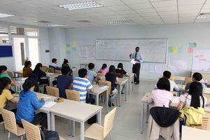 Điểm phổ thông rất cao nhưng nhiều sinh viên ra trường không soạn nổi văn?