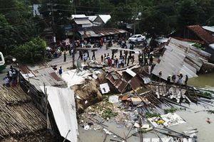 An Giang: Sạt lở đất bờ sông khiến ba căn nhà bị cuốn trôi