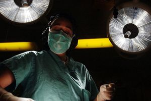 Tại Iran, lạm dụng phẫu thuật thẩm mỹ có thể bị ngồi tù