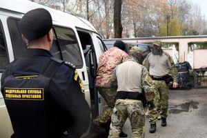 Nga đưa các thủy thủ Ucraine bị bắt ra tòa