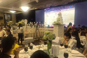 Đám cưới chất hơn nước cất với màn hình led chiếu trận bán kết Việt Nam - Philippines, cả hôn trường náo loạn khi Việt Nam ghi bàn